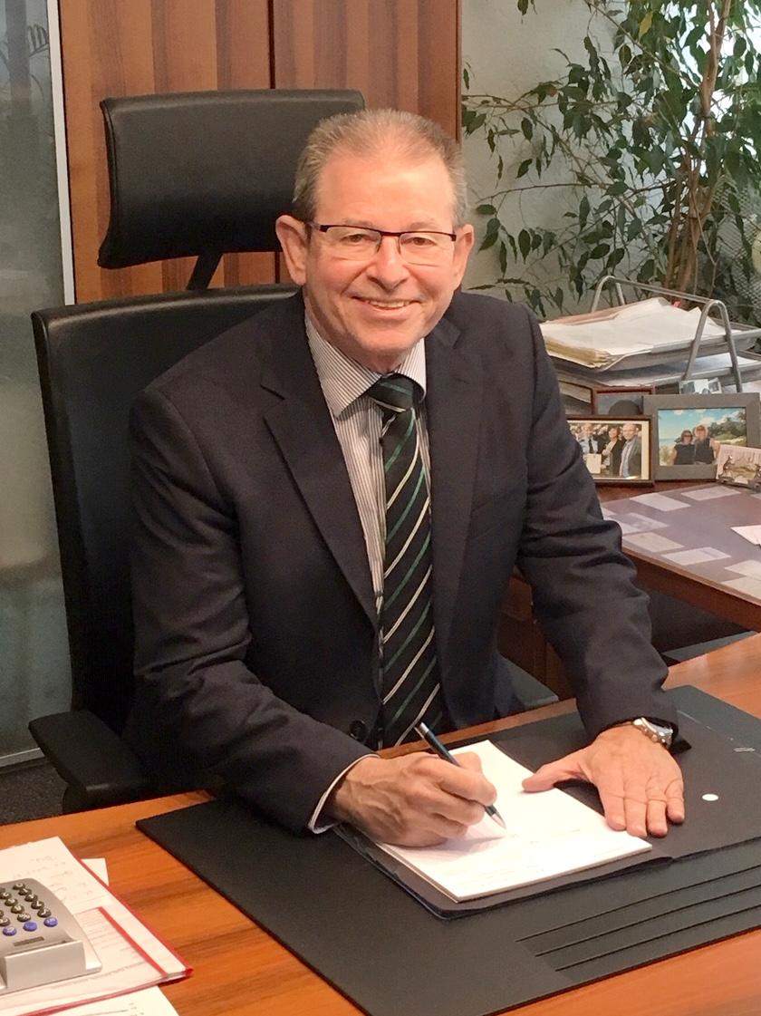 RA Helmut Schneider